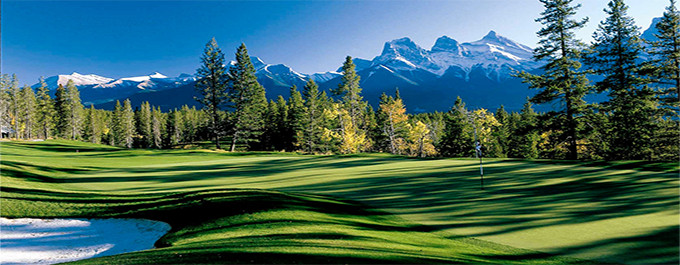 Golf Amidst Mountain Splendor in Banff National Park!